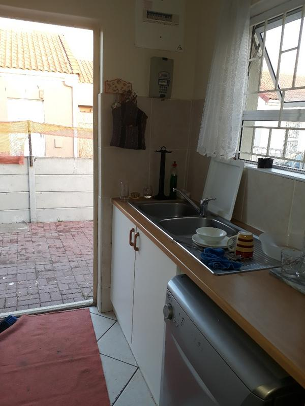 Property For Rent in Strand, Strand 2