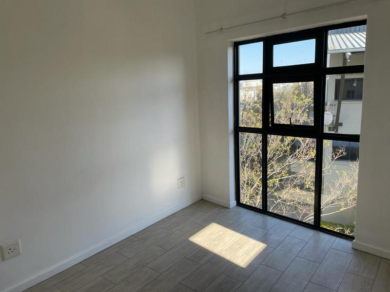 Apartment / Flat For Sale in Somerset West, Somerset West